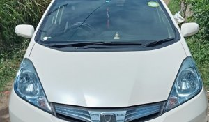 rent-a-car-sri-lanka-honda-shuttle-1