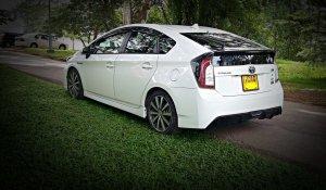 wedding-cars-kandy-toyota-prius-1
