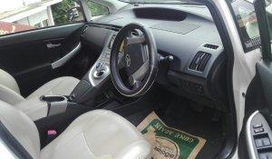 rent-a-car-in-kandy-prius-3rd-gen-6.jpg
