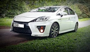 wedding-cars-kandy-toyota-prius-2